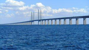 Greens metaphor: Oresund Bridge between Sweden and Denmark